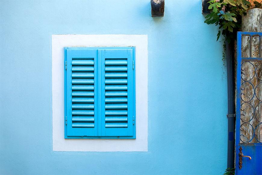 Carta da parati con foto Old Blue Window da S a XXL